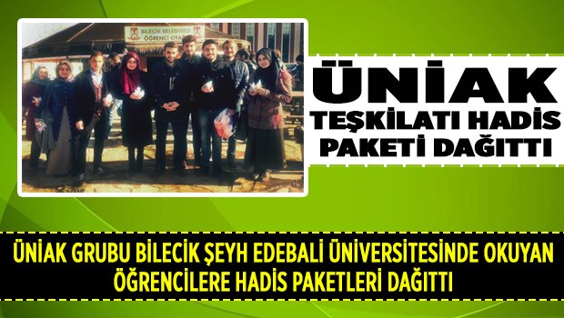 ÜNİAK grubu öğrencilerehadis paketleri dağıtı