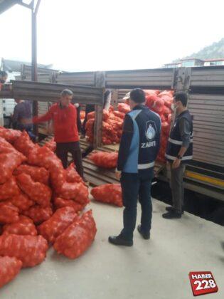 İhtiyaç sahiplerine patates ve soğan dağıtım yapıldı
